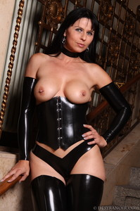 Mistress-Black-latex-b7agxjsnxd.jpg