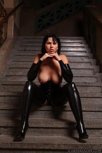 Mistress-Black-latex-c7agxjnh22.jpg